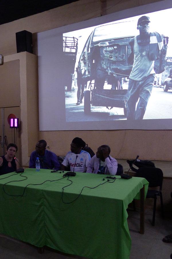 Emilie Wattellier au micro, Francis Kodia, Rodrig Mbock et baudouin Mouanda